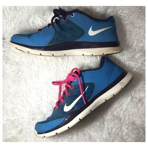 NIKE Trainers | Blue & Pink 2013 Running Shoes EUC
